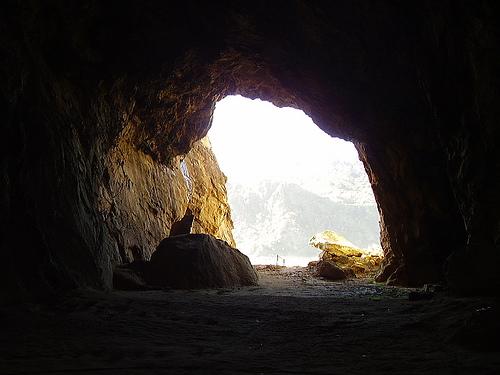 Capítulo 3 - O Templo de Tekhait - Página 2 Caverna