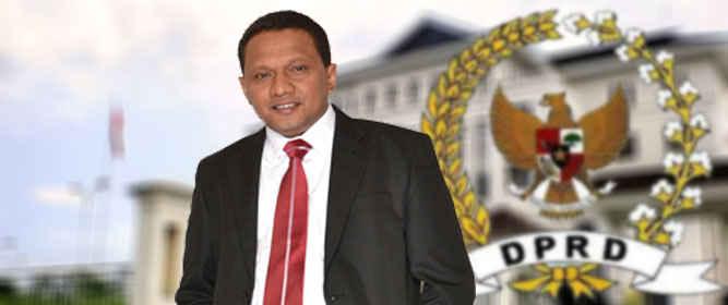 Ketua DPRD Maluku, Edwin Adrian Huwae mengatakan, yang berhak mengajukan nama-nama calon anggota DPRD pengganti antarwaktu (PAW) adalah dari setiap partai politik.