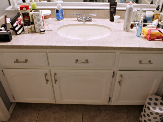 Clearing the Clutter: Master Bathroom