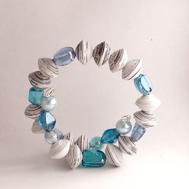 Favoloso Miss Quilling ♥: Bracciale bianco e azzurro con perle di carta  AT64