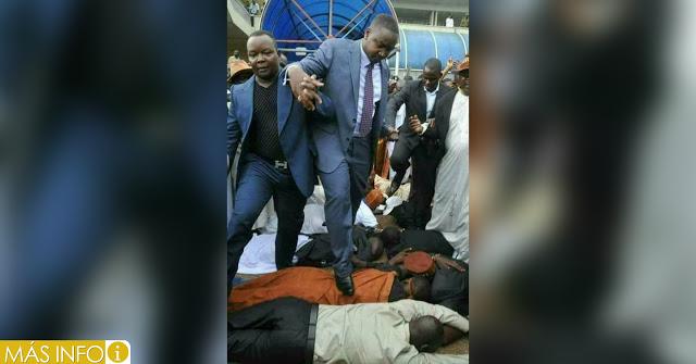 Pastor camina sobre adultos y niños, y asegura que, ''El suelo es impuro y debo estar lejos de la tierra''.