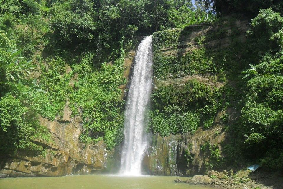 scenic waterfalls near me