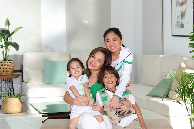 Judy Ann with her kids