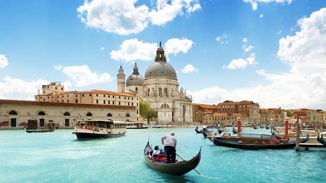 passeio de gôndola por Veneza