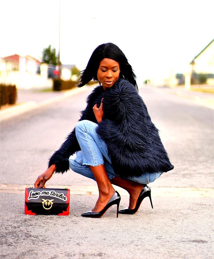 fashionista-ootd-blog-mode-manteau-fourrure-zara-sac-pinko-love-flame-escarpins-louboutin-pigalle