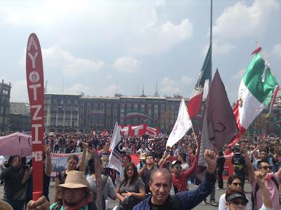 Miles de personas volvieron a salir a las calles de la capital mexicanaAldabi Olvera