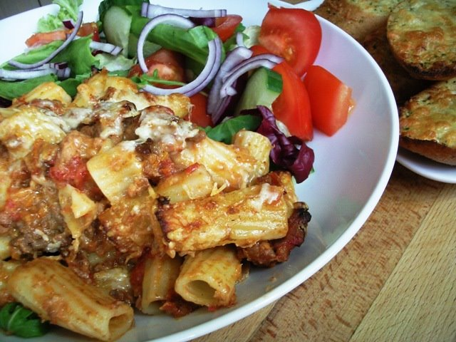 Rigatoni al Forno with salad