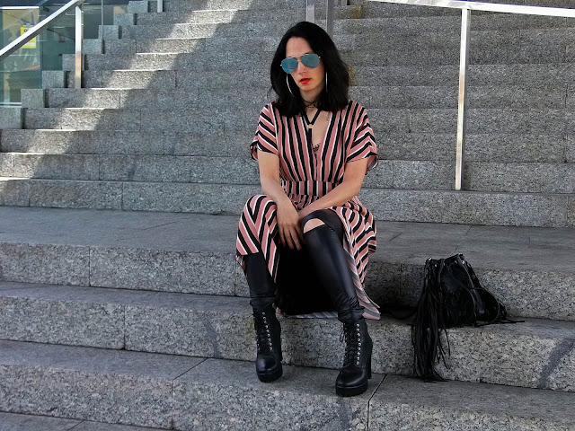 fashion, moda, look, outfit, blog, blogger, walking, penny, lane, streetstyle, style, estilo, trendy, rock, boho, chic, cool, casual, ropa, cloth, garment, inspiration, fashionblogger, art, photo, photograph, Avilés, oviedo, gijón, dress, leather, striped, rayas, bra, fringe, flecos, zara, mango,