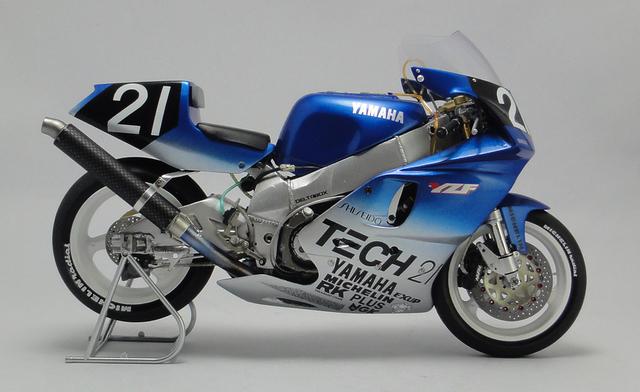 Yamaha%2BYZF%2B750%2B8%2BHours%2BSuzuka%2B1990%2B02.jpg