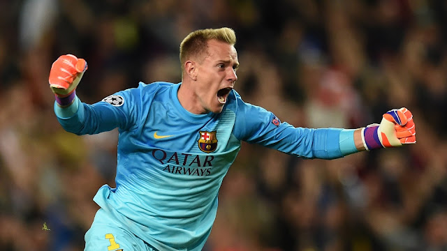 Reports: Arsenal table shock bid for £158million Barcelona's star to replace Petr Cech