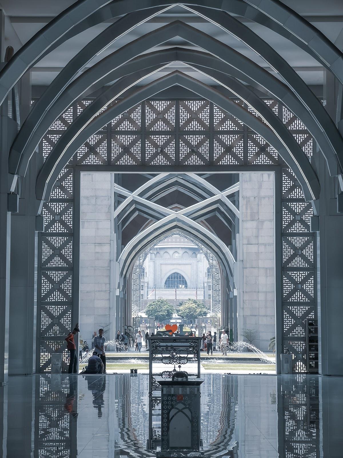 Masjid Tuanku Mizan Zainal Abidin, Putajaya