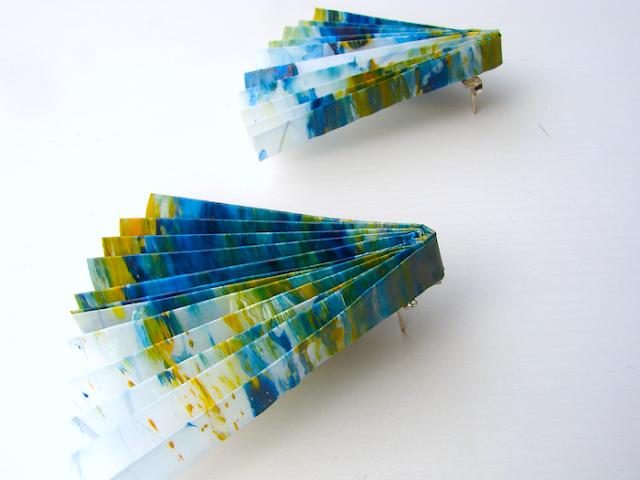Alessandra Fabre Repetto Orecchini di carta in stile geometrico , 2017-2018