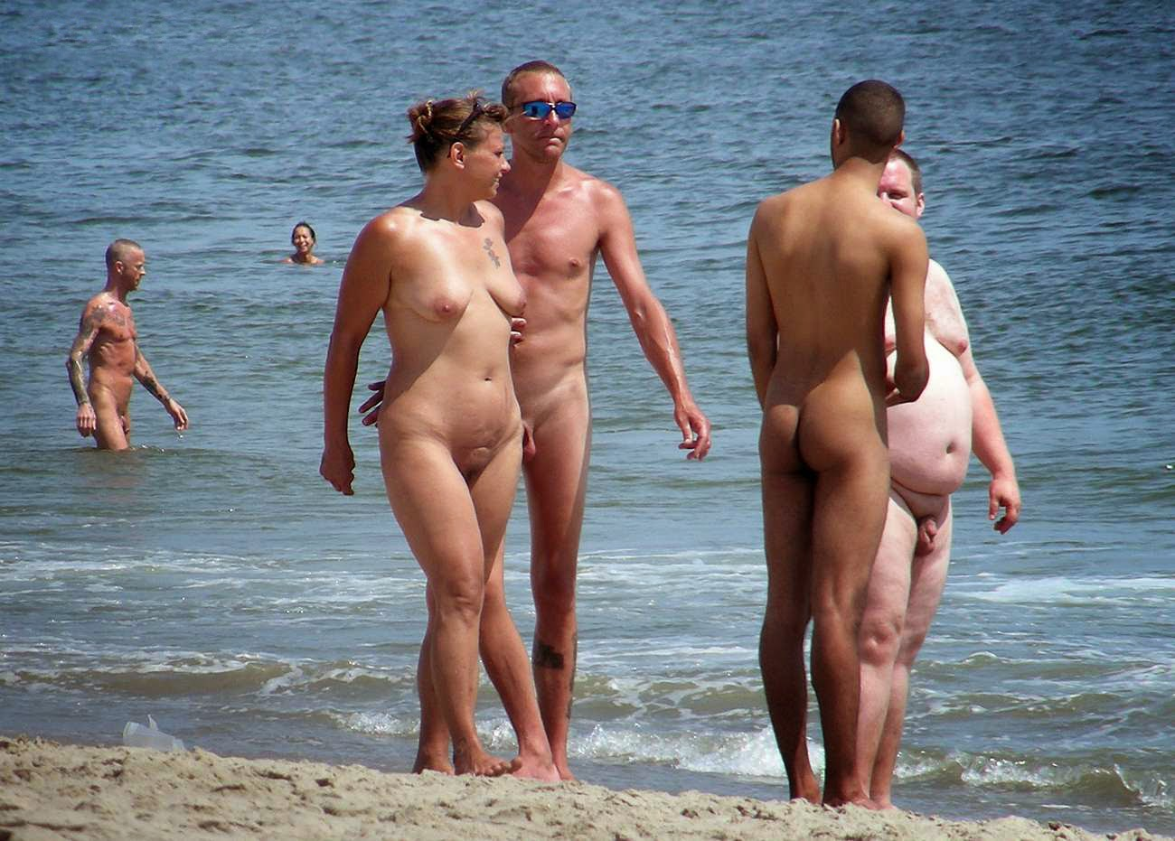 Opinion, Family nudism pic