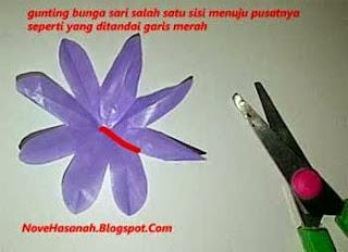 mahkota bunga lavender dari kantong plastik