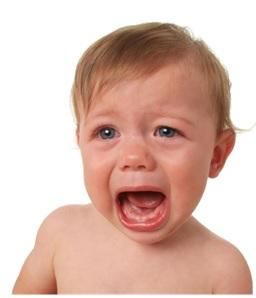 qué hacer si tu bebé se golpea la cabeza