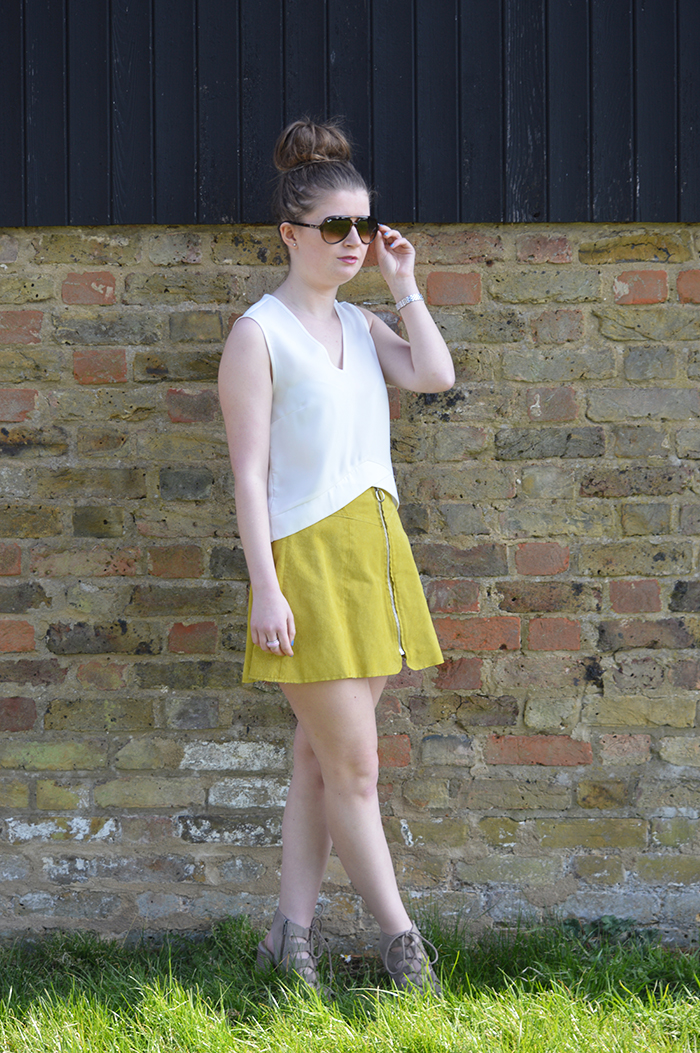 ASOS yellow skirt fashion blogger