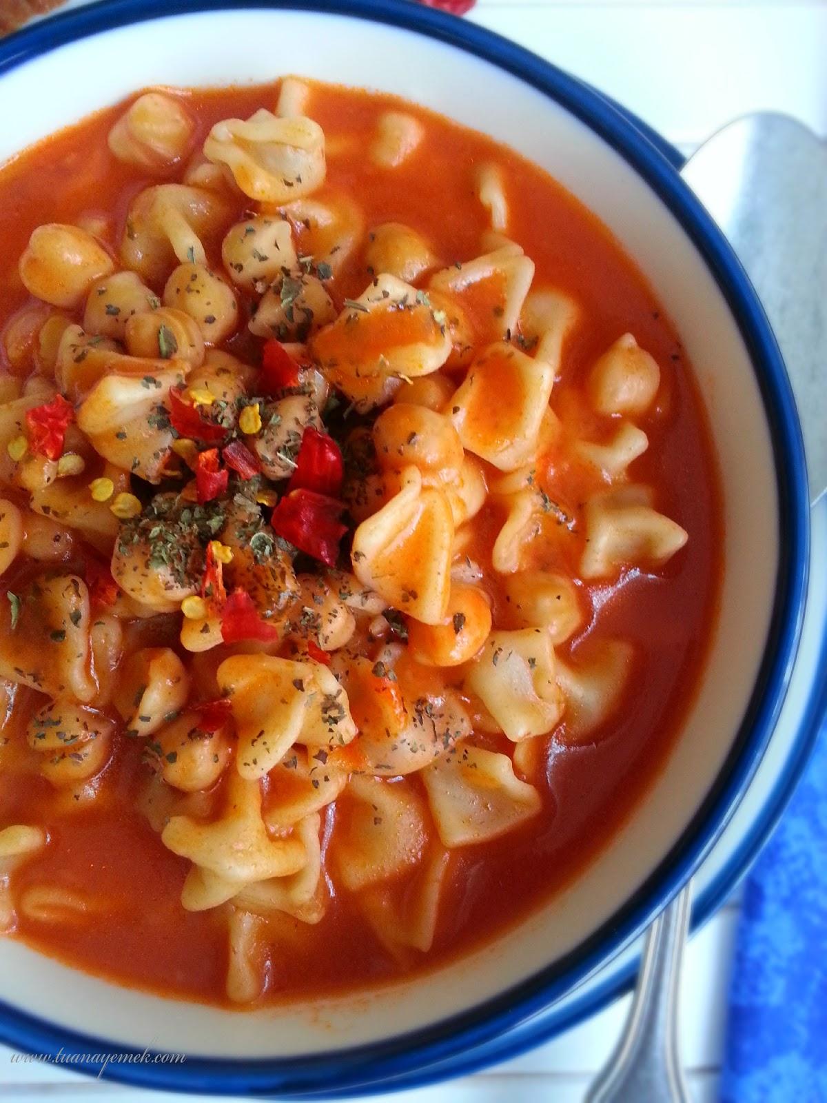 Mantılı Çorba (Yüksük Çorbası)