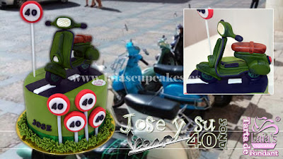 tarta personalizada fondant modelado vespa moto motocicleta cumpleaños Laia's Cupcakes Puerto Sagunto