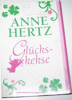 https://bienesbuecher.blogspot.de/2014/03/rezension-gluckskekse.html