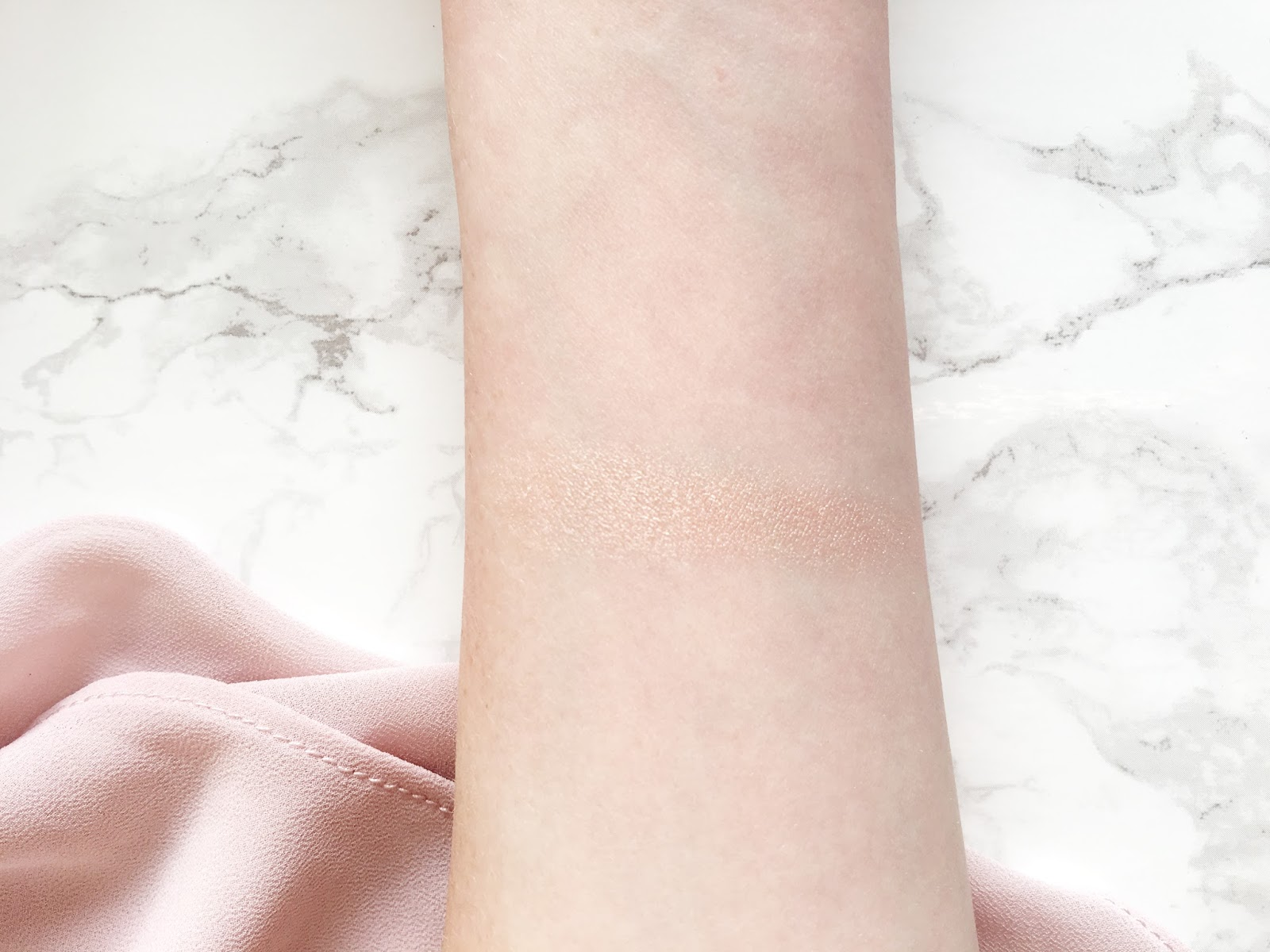 Jouer Powder Highlighter in Rose Quartz Swatch