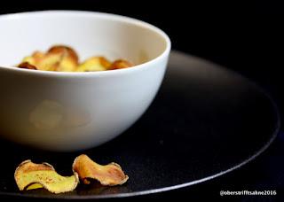 selbst gemachte fettfreie Kartoffelchips aus dem Ofen