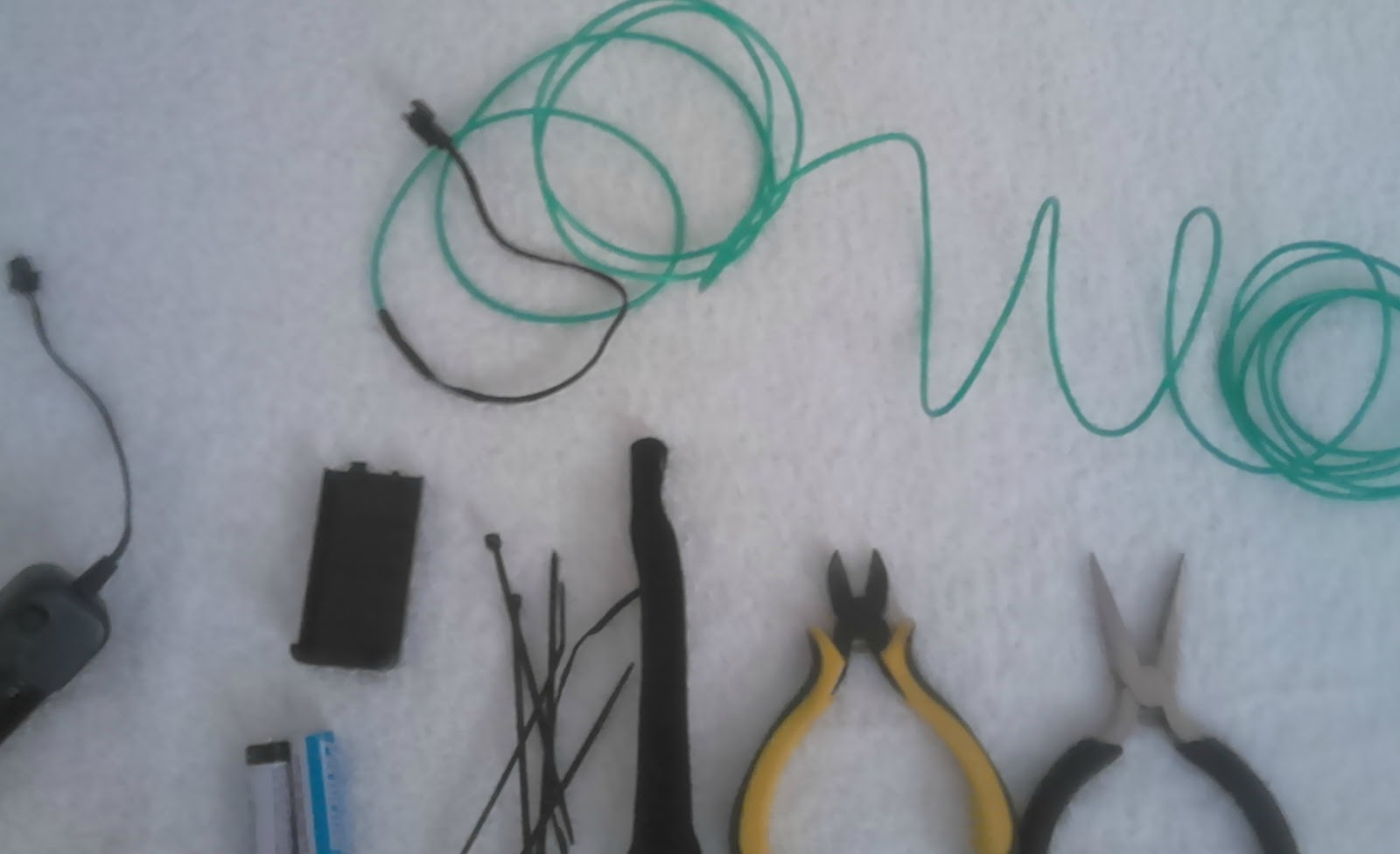 EPIC ELECTRONICS. EL-WIRE YOUR MOUNTAIN BIKE FOR UNDER TEN DOLLARS ...
