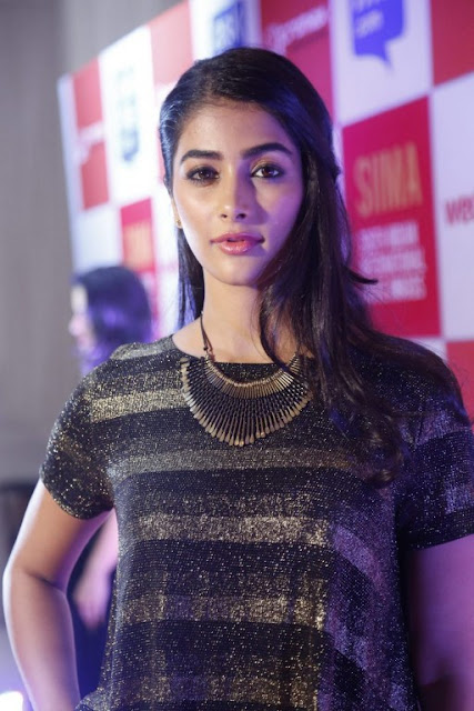 pooja-hegde-beautiful-hd-picture
