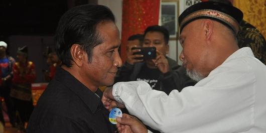 Wako Mahyeldi Kukuhkan Forum Komunikasi Tradisional Kota Padang