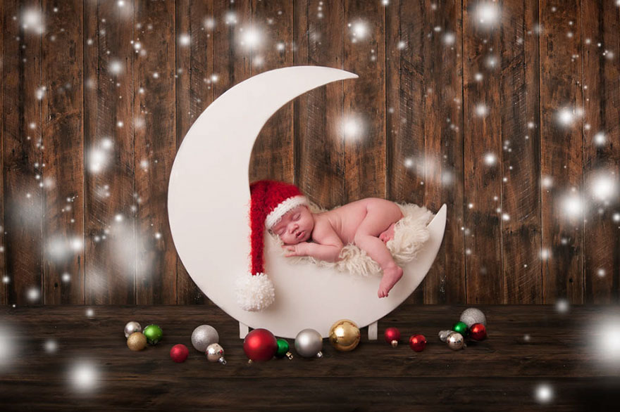 35 Cute Babies Celebrating Their First Ever Christmas (Pictures)