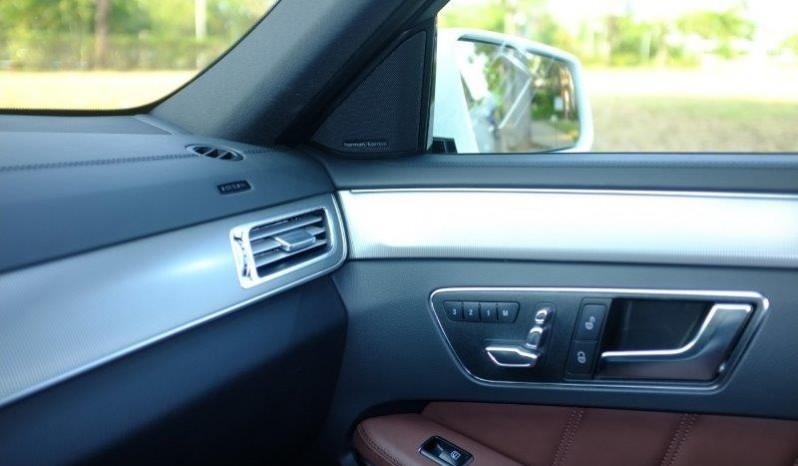 Nội thất xe Mercedes Benz E400 AMG cũ 2013 màu đen 04