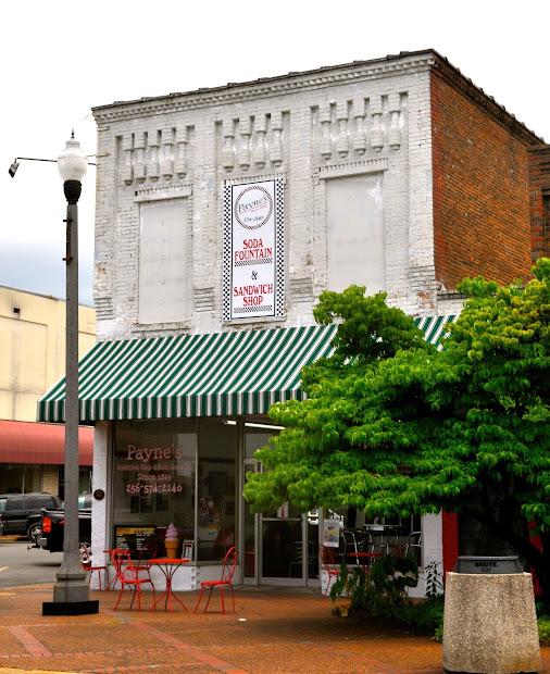 Scottsboro.poised Brighter Future - Three Friends