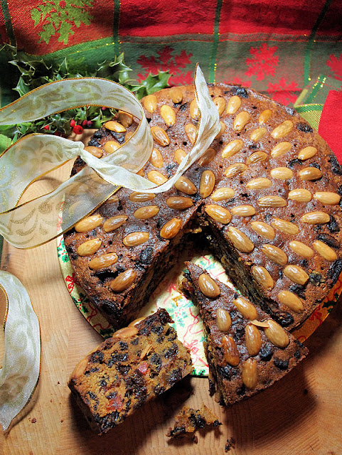 Traditional Whisky Dundee Cake