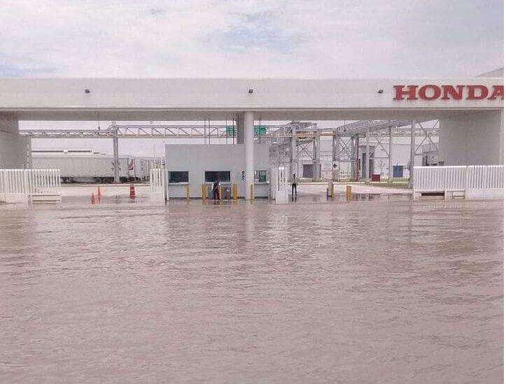 Declaran alerta en municipios de Guanajuato por desfogue de presa e inundaciones; hay un hombre desaparecido