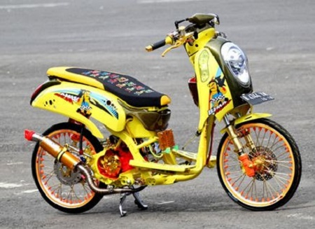 Modifikasi Honda scoopy jari jari
