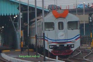 Kereta Api Komuter Surabaya Porong