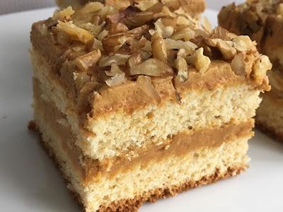 Ciasto krówkowe z orzechami