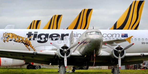 Security alert over Melbourne's Tullamarine Airport after a threat was directed at Tigerair Australia