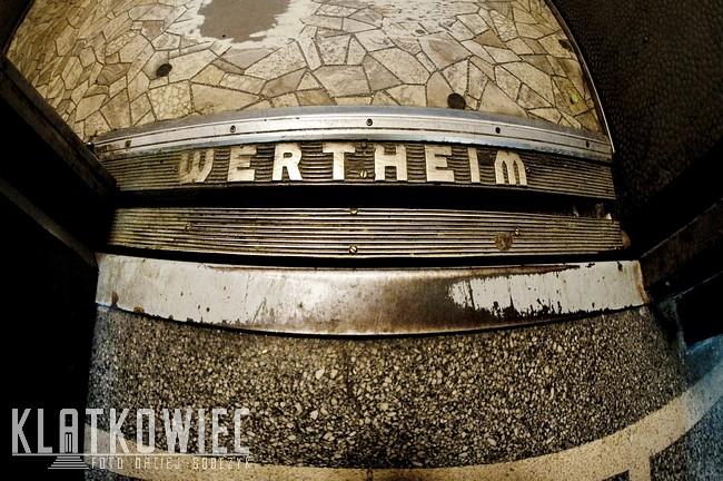 Katowice. Przedwojenna winda firmy Wertheim Wien.