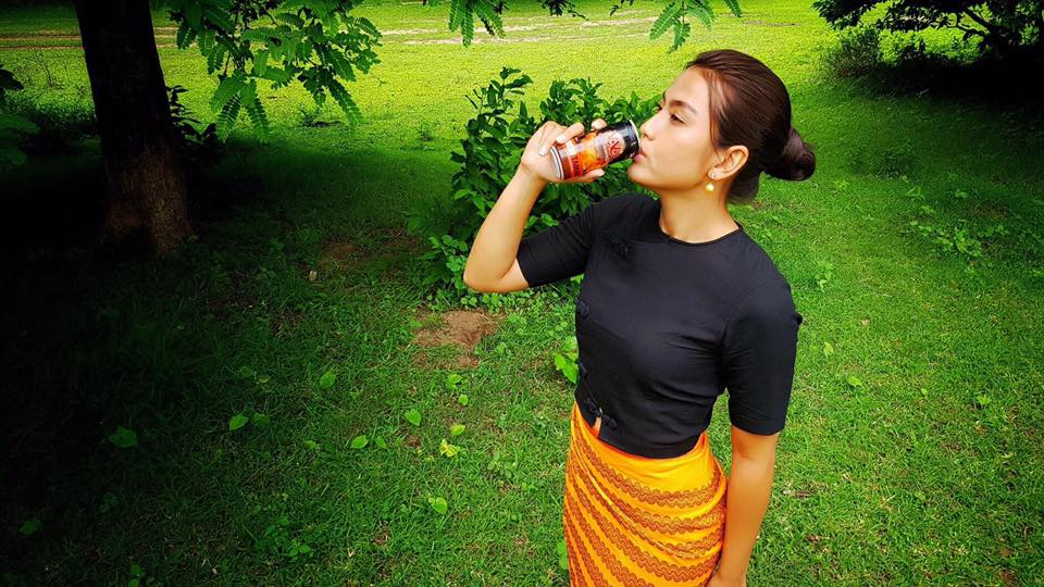 Ei Chaw Po Movie Shooting Scenes And Drinking Style