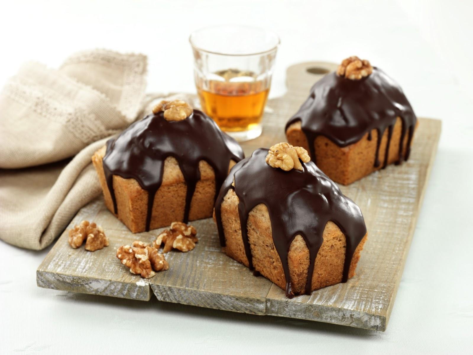 Whisky And Walnut Cakes