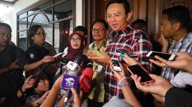 Ahok Tiba di Bareskrim Polri Untuk Diperiksa Dan Ditemani Politisi PDIP