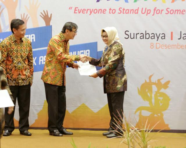 Plt Bupati Subang Terima Penghargaan HAM