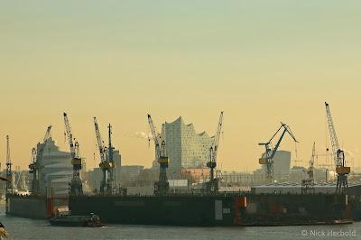 Aussicht vom Dockland in Richtung Elbphilharmonie