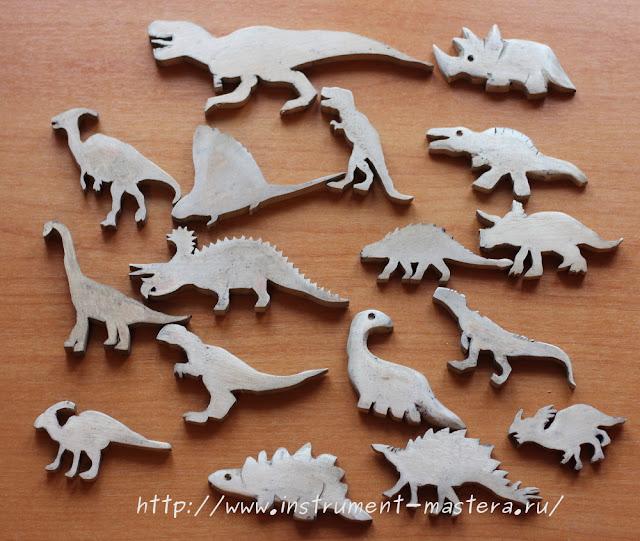 динозавры из дерева