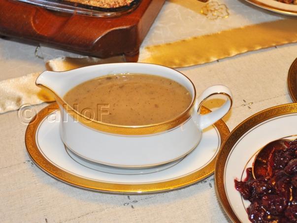 Rich Turkey Gravy (roux method)