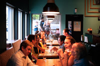 Contoh Percakapan di Restoran Dalam Bahasa Inggris dan Artinya