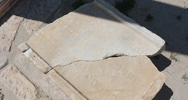 2,000 year old board game found in southwestern Turkey