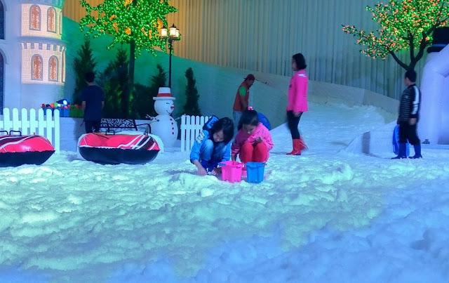 Bermain Salju di Malang Snow Paradise Yang Keren