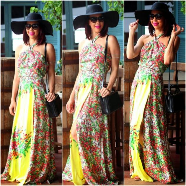 Um vestido longo com uma estampa linda f823da7991b