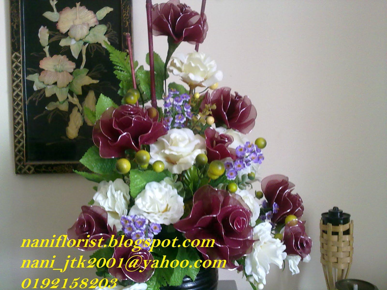 Gubahan Bunga Meja Ruang Tamu Desainrumahid
